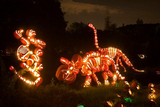 Pumpkin dinosaurs!